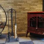 暖炉と薪ストーブの違いは?~それぞれのメリット、デメリット~